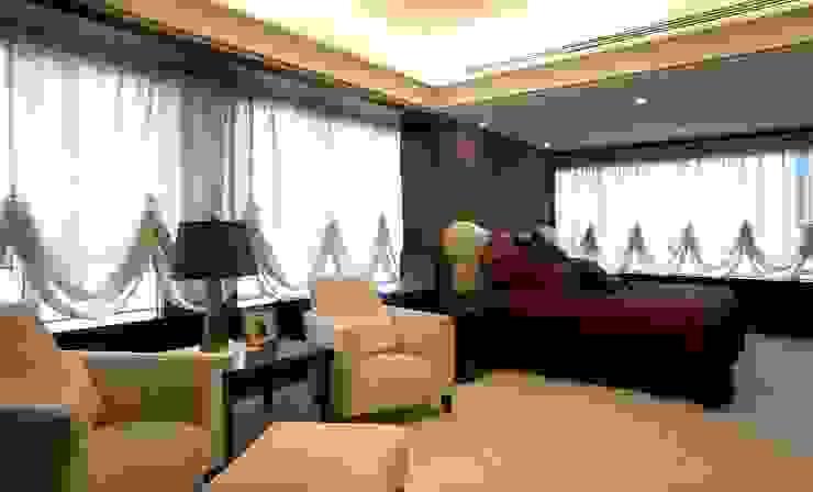 主臥室 台中室內建築師|利程室內外裝飾 LICHENG Classic style bedroom