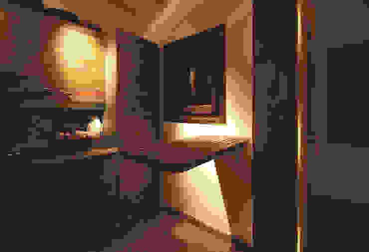 Architetto Alessandro spano Cozinhas pequenas Madeira Efeito de madeira