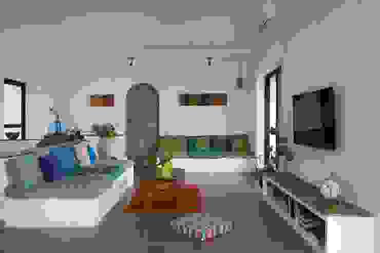Living room by Ashleys Mediterranean