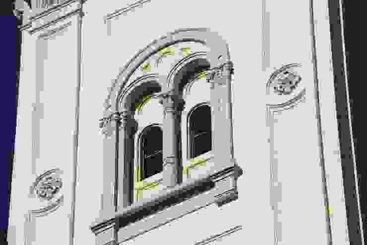 Dettaglio restauro Case moderne di C.M.E. srl Moderno