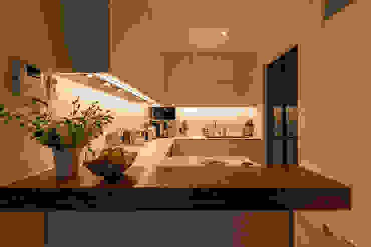 Holland Road Mr Shopper Studio Pte Ltd Modern kitchen