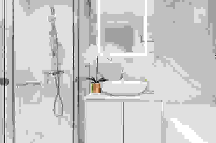 Principal Garden Modern bathroom by Mr Shopper Studio Pte Ltd Modern