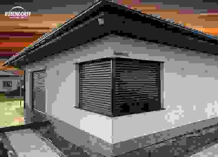 Inteligentne Rolety Bubendorff Casas de estilo moderno Aluminio/Cinc