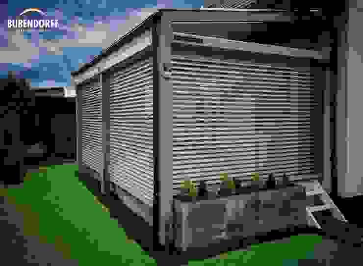 Inteligentne Rolety Bubendorff Jardines de estilo moderno Aluminio/Cinc