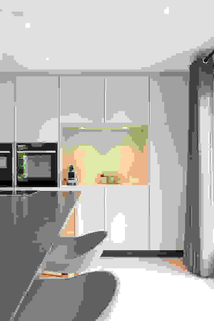 ÈMCÉ interior architecture Modern kitchen