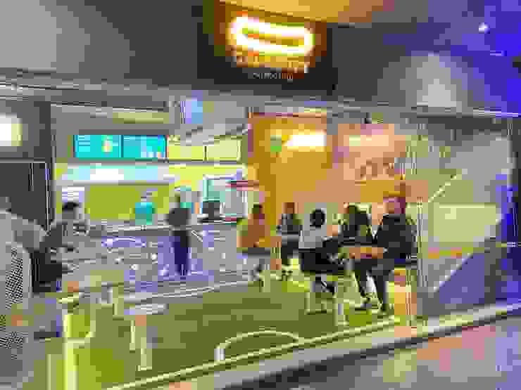 DISEÑO DE BARES Y RESTAURANTES B&Ö Arquitectura, decoración, diseño de interiores y Muebles Commercial Spaces Wood Yellow