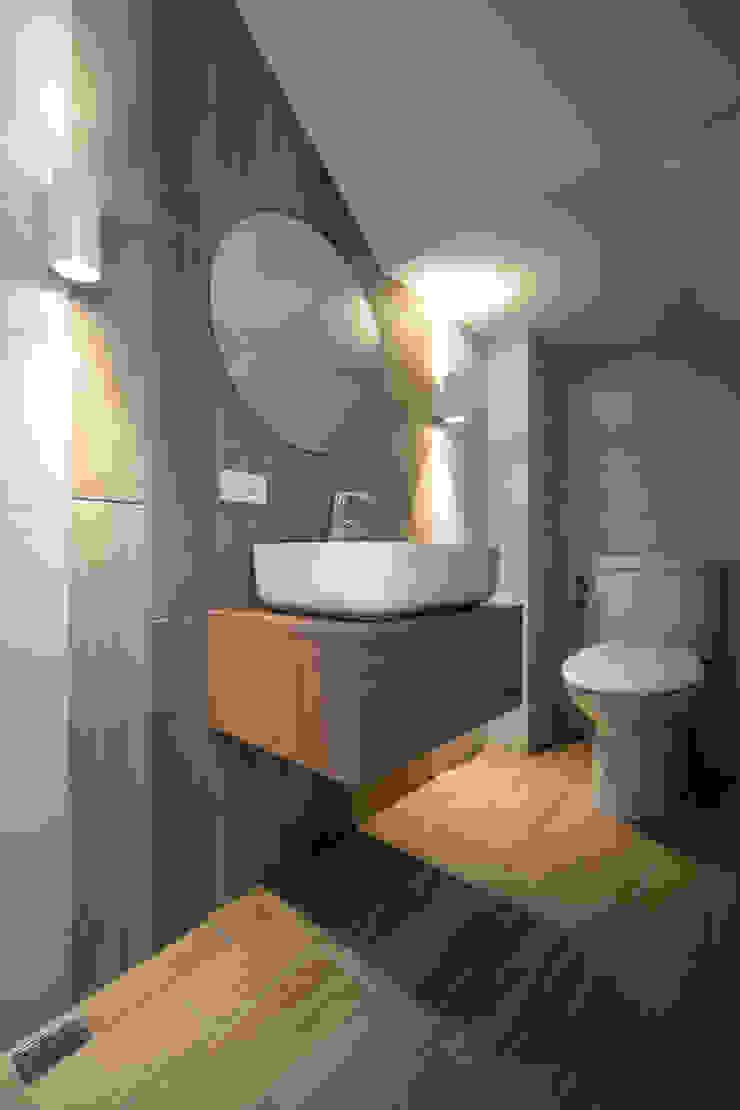 有隅空間規劃所 Kamar Mandi Modern Ubin Wood effect