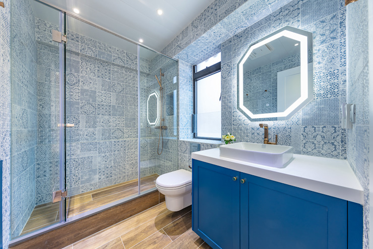 Sense of Romance—Wylie Court, Hong Kong Classic style bathroom by Grande Interior Design Classic