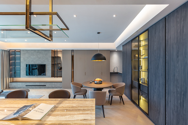 A Boutique Living Area for a Family of Four—Cullinan West, Hong Kong Modern dining room by Grande Interior Design Modern