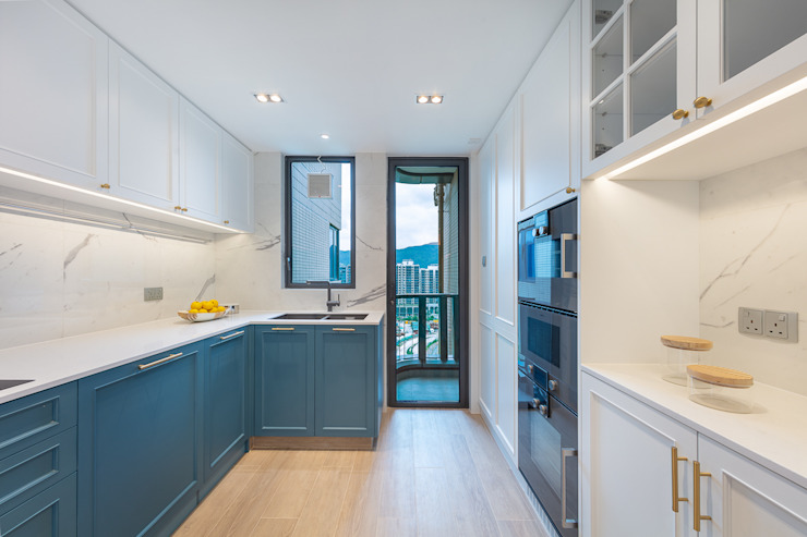 Celeste and the Sea—Alto Residences, Hong Kong Classic style kitchen by Grande Interior Design Classic
