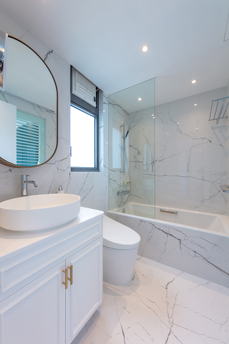 Celeste and the Sea—Alto Residences, Hong Kong Classic style bathroom by Grande Interior Design Classic