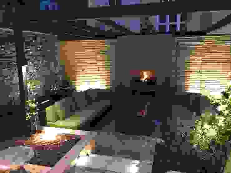 Outdoor Spaces - Garden Lighting Design par JPLD Moderne