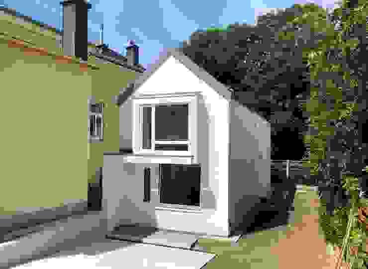 Nordostfassde von archipur Architekten aus Wien Modern Ziegel
