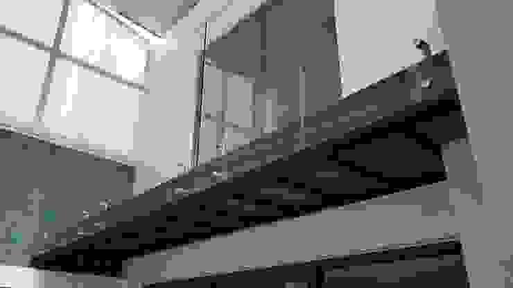 INGENIERIA Y DISEÑO EN CRISTAL, S.A. DE C.V. Balkon Holz-Kunststoff-Verbund Holznachbildung