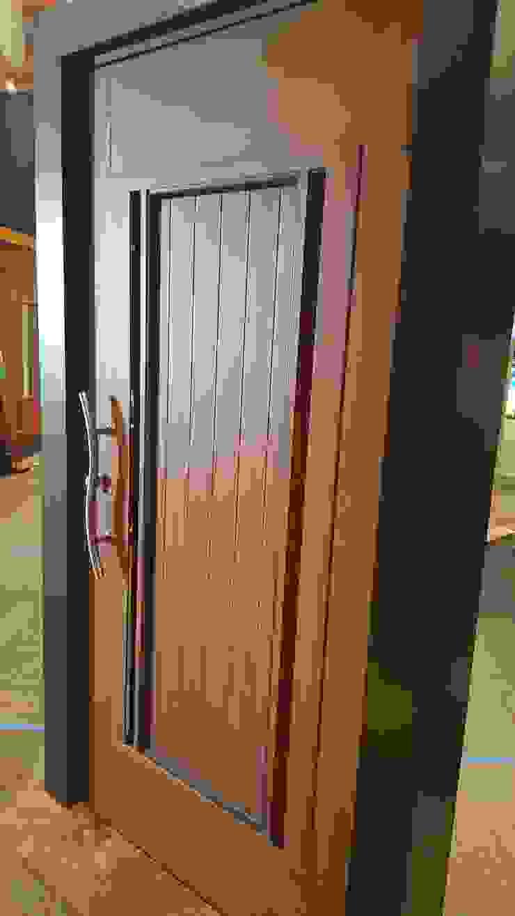 INGENIERIA Y DISEÑO EN CRISTAL, S.A. DE C.V. Fenster & TürTüren Aluminium/Zink Holznachbildung