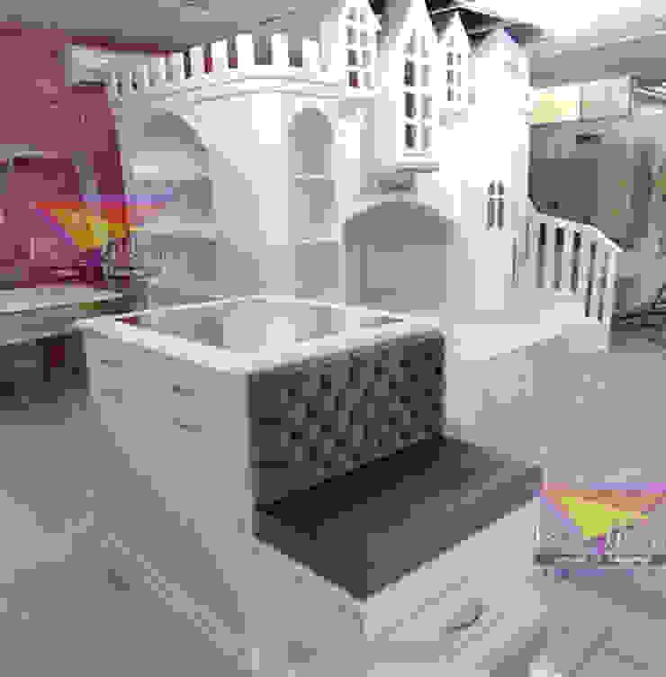 Hermosa isla para vestidor de Kids Wolrd- Recamaras Literas y Muebles para niños Moderno Derivados de madera Transparente