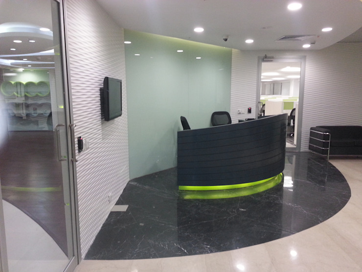 Reception Table , Back Drop S4S Interiors LLP Classic commercial spaces