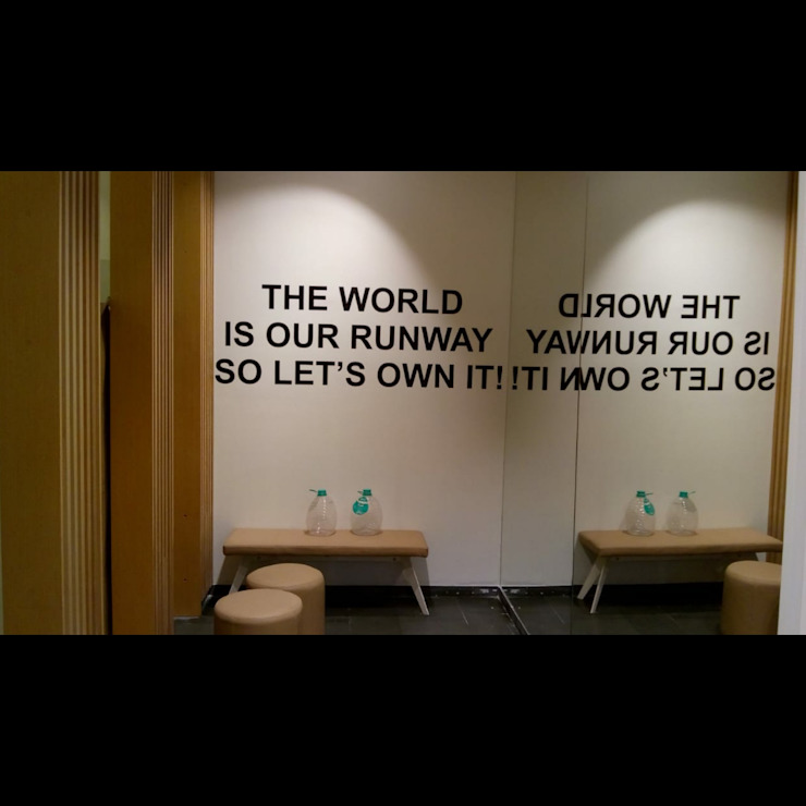Retail Store Quotes Wall Classic offices & stores by S4S Interiors LLP Classic