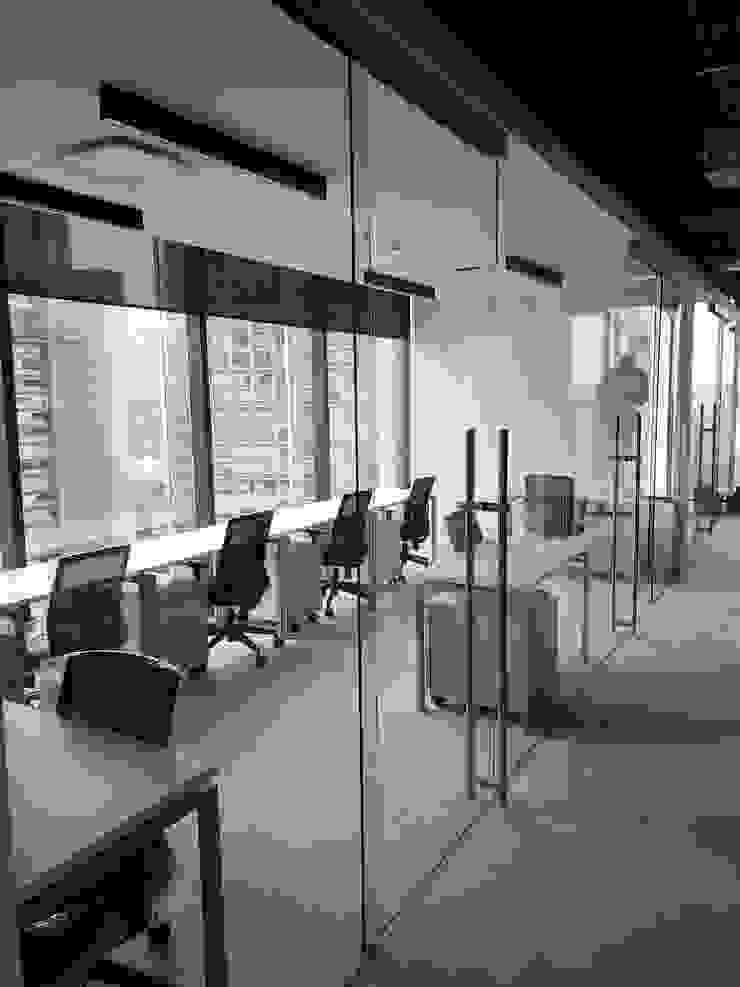 INGENIERIA Y DISEÑO EN CRISTAL, S.A. DE C.V. Moderne Arbeitszimmer Glas Transparent