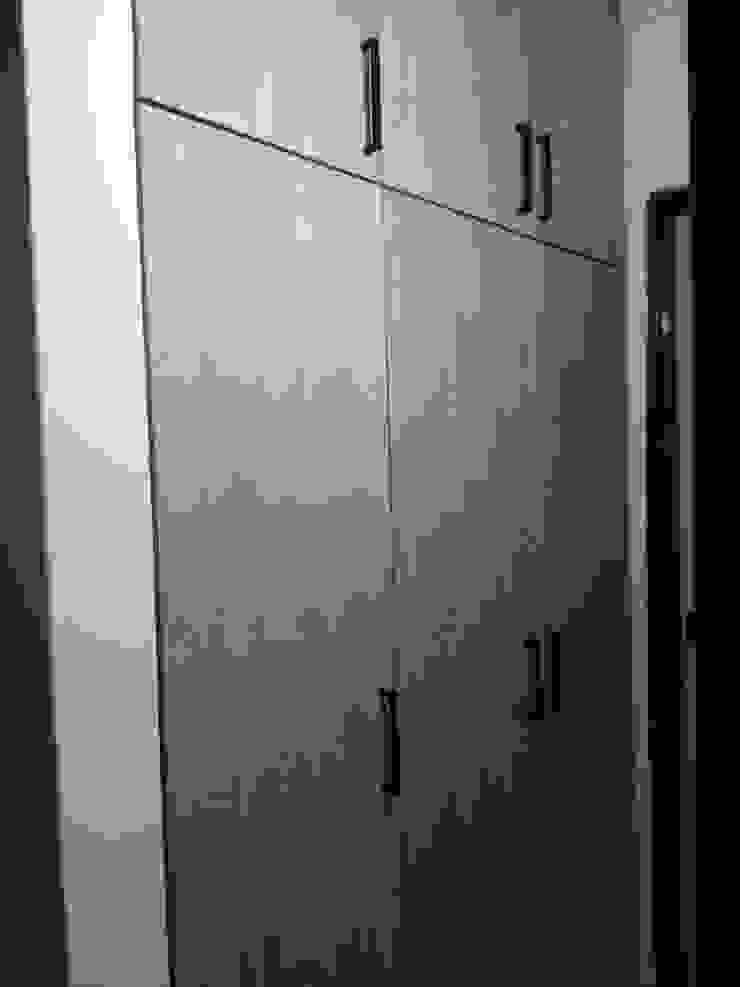 spatium consilium Modern dressing room Chipboard