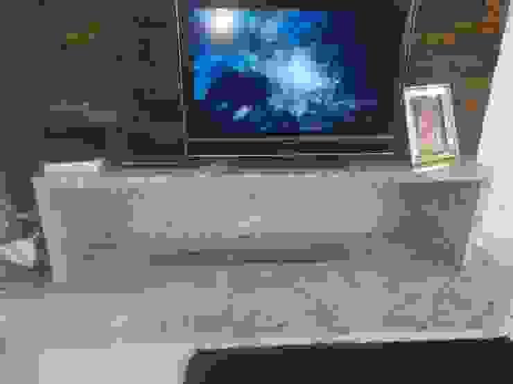Rebello Pedras Decorativas Living roomFireplaces & accessories Marble Beige