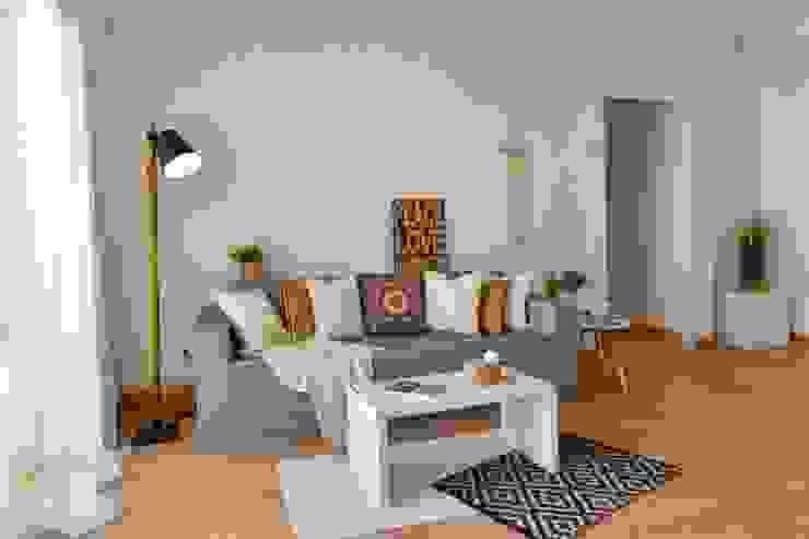 Salón Delaguard Home Staging Salones de estilo mediterráneo