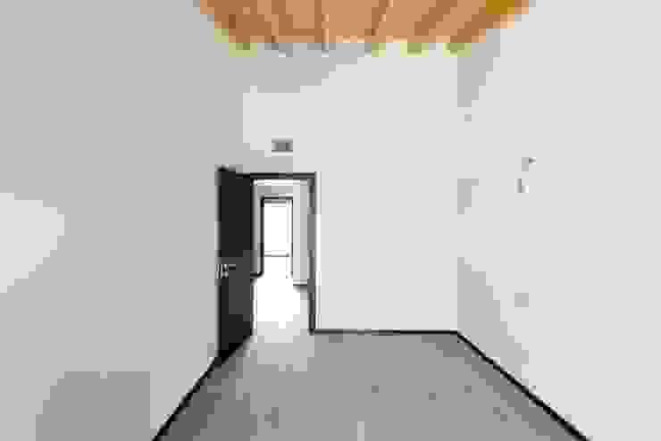 2P COSTRUZIONI srl Dormitorios de estilo moderno