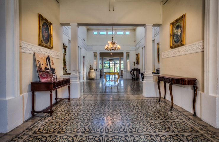 Article Joe Curmi Modern corridor, hallway & stairs