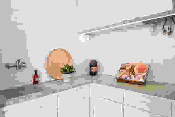 Hoost - Home Staging KitchenKitchen utensils