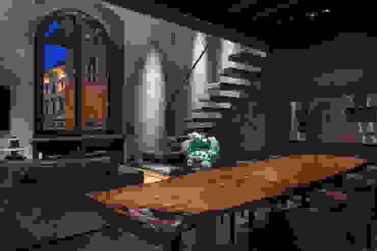 Appartamento in Palazzo Foresi Sala da pranzo moderna di Filippo Cei architetto & interior designer Moderno