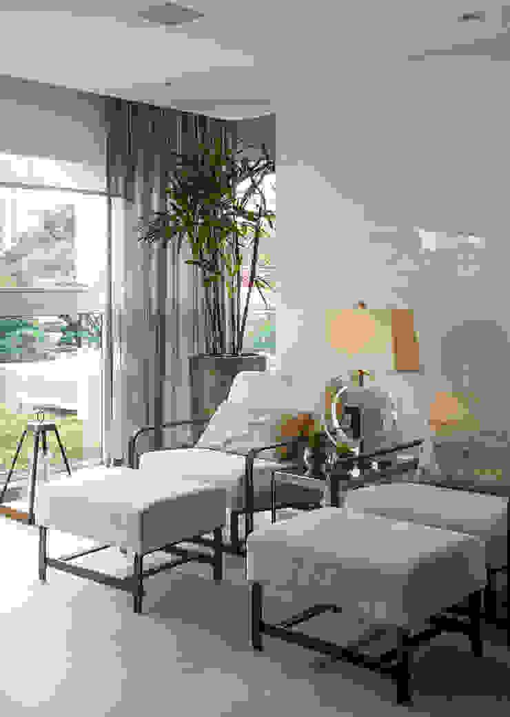 Bianka Mugnatto Design de Interiores Balcón Vidrio Beige