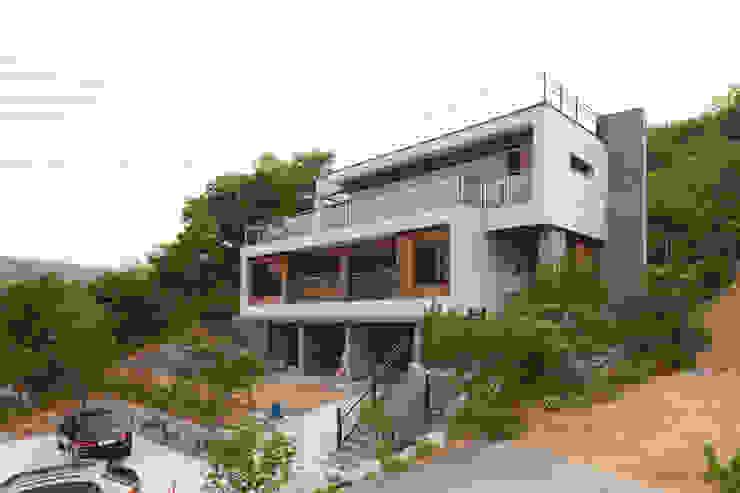 북한강을 바라보는 편션 같은 가평전원주택 by 위드하임 모던