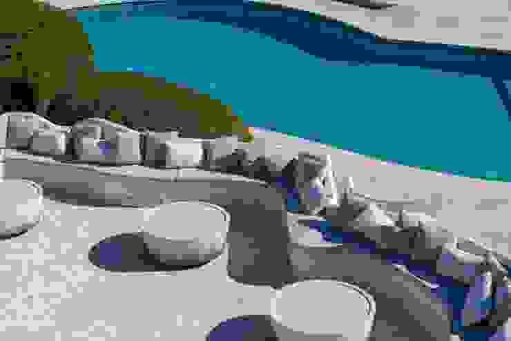 ROMAZZINO C.S. SERVICE SRL Modern hotels
