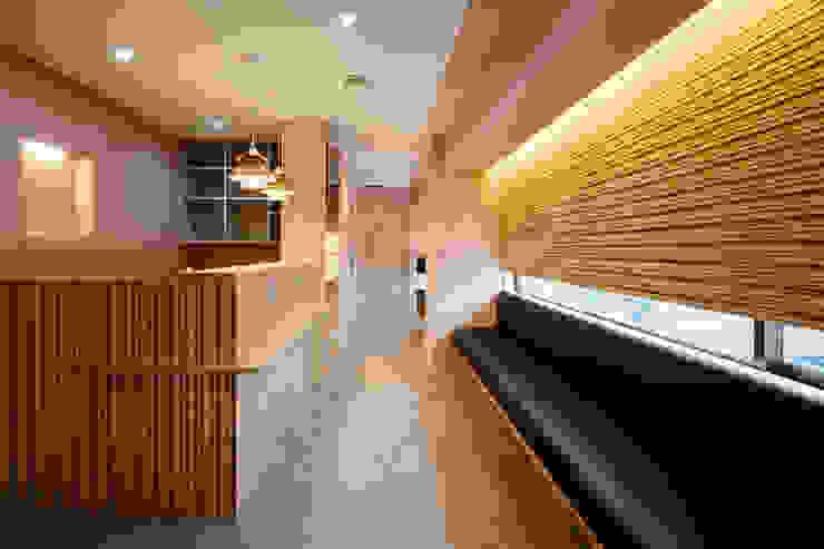 設計事務所アーキプレイス Scandinavian style corridor, hallway& stairs Pink