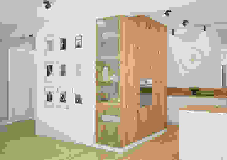 Nevi Studio Cocinas de estilo moderno