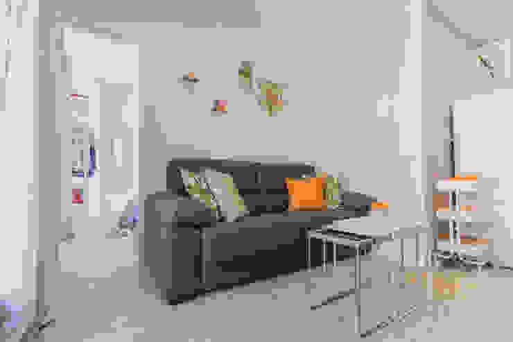 Home Staging apartamento alquiler turístico, Puerta del Angel 2, Madrid Byta Espacios Salones de estilo escandinavo