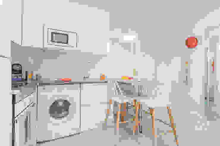 Home Staging apartamento alquiler turístico, Puerta del Angel 2, Madrid Byta Espacios Cocinas de estilo escandinavo
