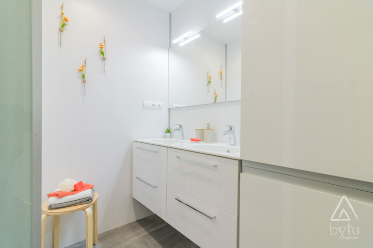 Home Staging apartamento alquiler turístico, Puerta del Angel 2, Madrid Byta Espacios Baños de estilo escandinavo