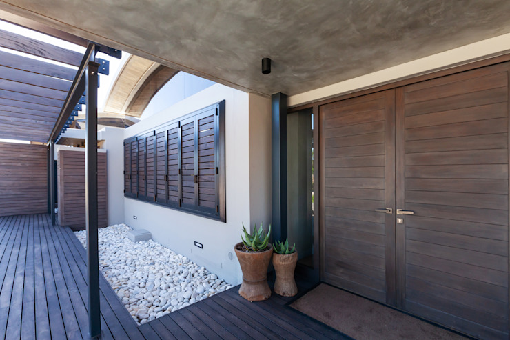 Lodge Prevoli, Stanford, Cape Town - Entrance House of Supreme CPT Modern houses Wood
