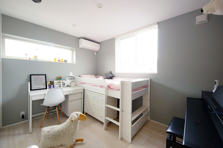 フレンチシックな子ども部屋 TERAJIMA ARCHITECTS/テラジマアーキテクツ 女の子部屋 灰色