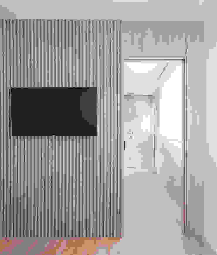 Entrada al baño Baños de estilo moderno de MANUEL GARCÍA ASOCIADOS Moderno