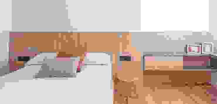 Detalle dormitorio juvenil MANUEL GARCÍA ASOCIADOS Habitaciones de niños Acabado en madera