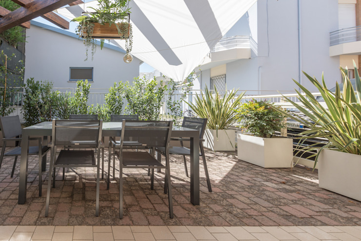 Mirna Casadei Home Staging 陽台、門廊與露臺 配件與裝飾品