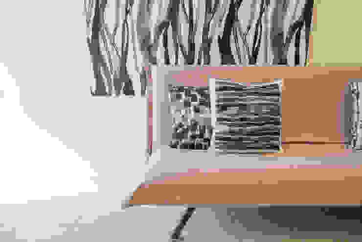 Mirna Casadei Home Staging 客廳沙發與扶手椅