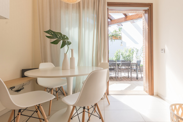 Mirna Casadei Home Staging 餐廳椅子與長凳