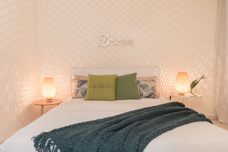 Mirna Casadei Home Staging 臥室床與床頭櫃