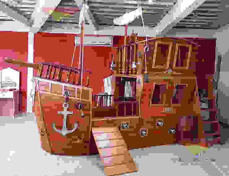 Fabuloso Galeón con área de juegos de Kids Wolrd- Recamaras Literas y Muebles para niños Clásico Derivados de madera Transparente