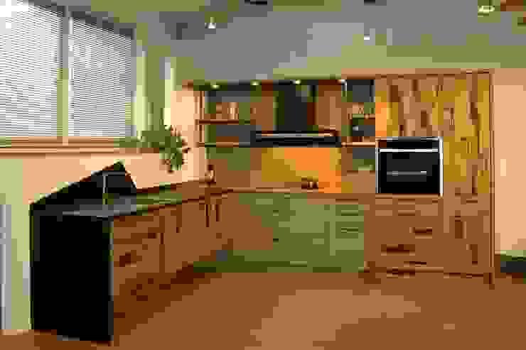 Altholzküche perfect harmony Pfister Möbelwerkstatt GdbR Industriale Küchen Holz