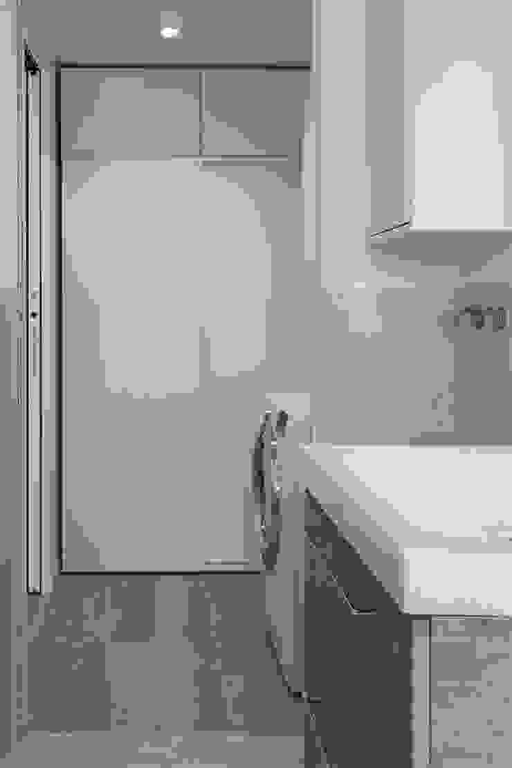 Banheiros modernos por Bongio Valentina Moderno