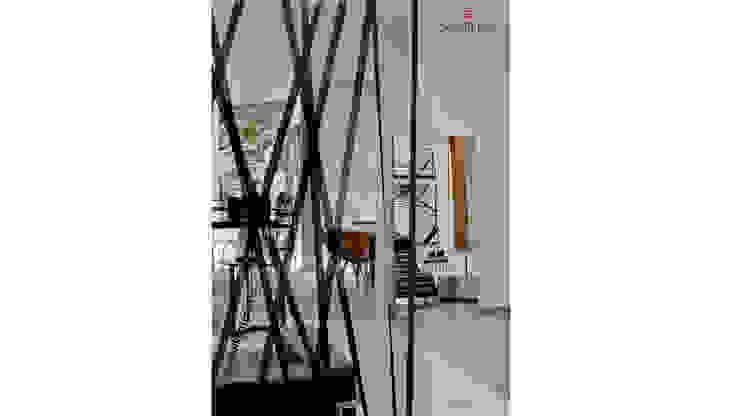Trama Divisória Pra Dividir Ambientes - By Marilene Ropelato Espaços comerciais modernos por Sgabello Interiores Moderno